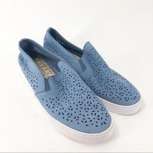 Vionic 10 Midi Perf Blue Slip On Lacey Sneaker